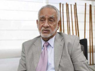 Ministro de Hidrocarburos Refinería de Manabí